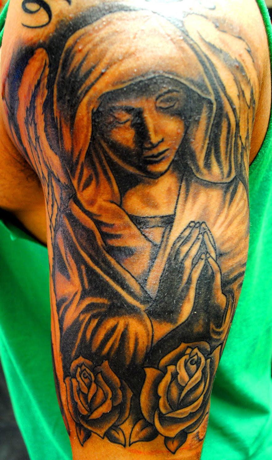 Angel praying tattoos for men cool tattoos bonbaden for Praying angel tattoos