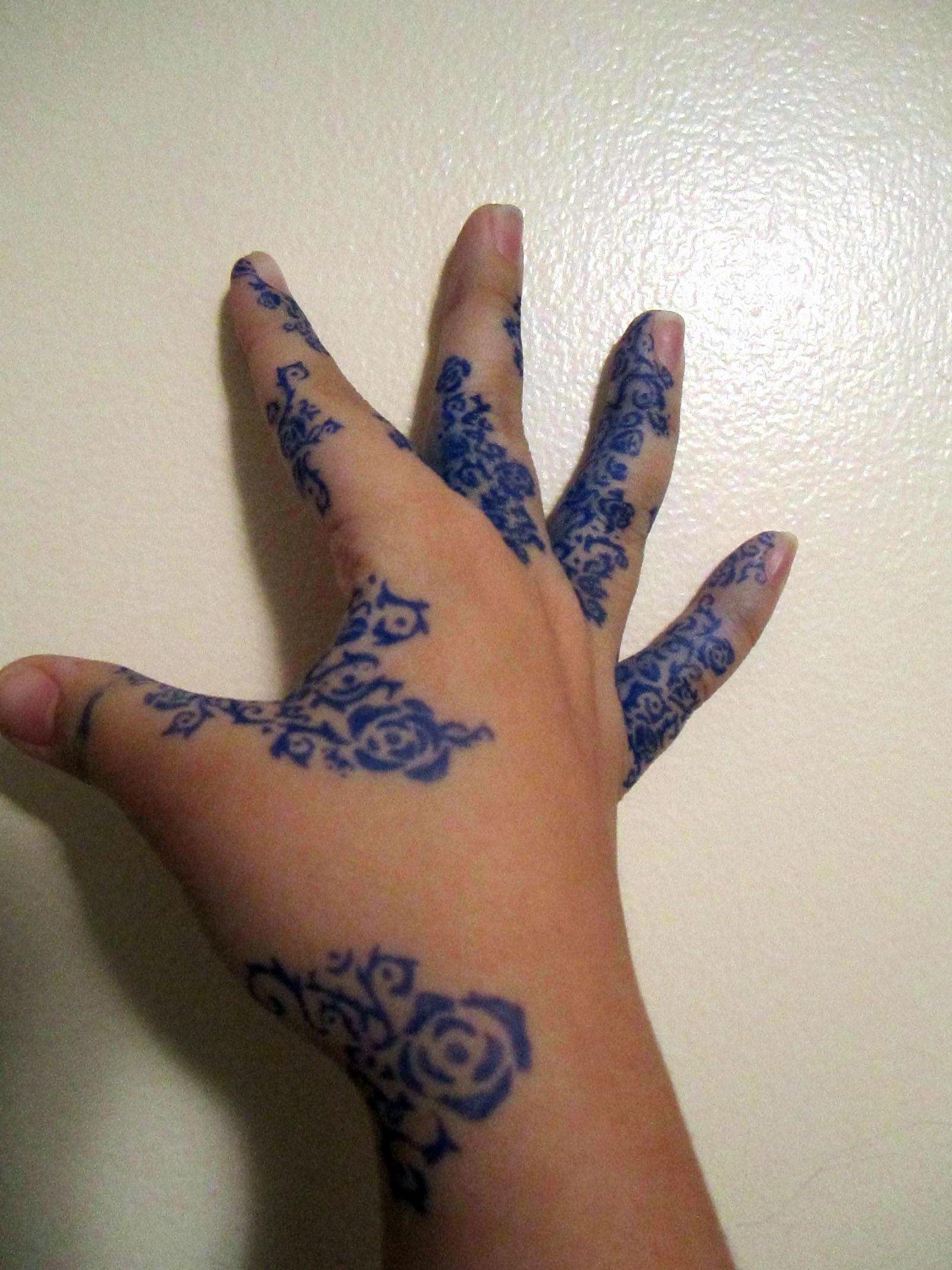 blue rose tattoo pictures cool tattoos bonbaden. Black Bedroom Furniture Sets. Home Design Ideas
